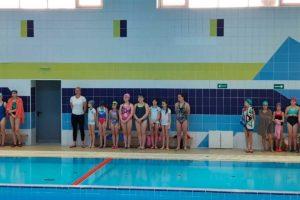 участие в соревнованиях по плаванию, посвященные Международному женскому дню